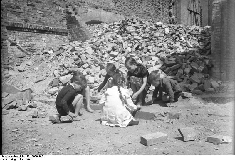 Bundesarchiv, Bild 183-19000-1661 / CC-BY-SA 3.0